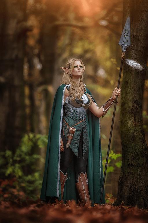elf cosplay standing