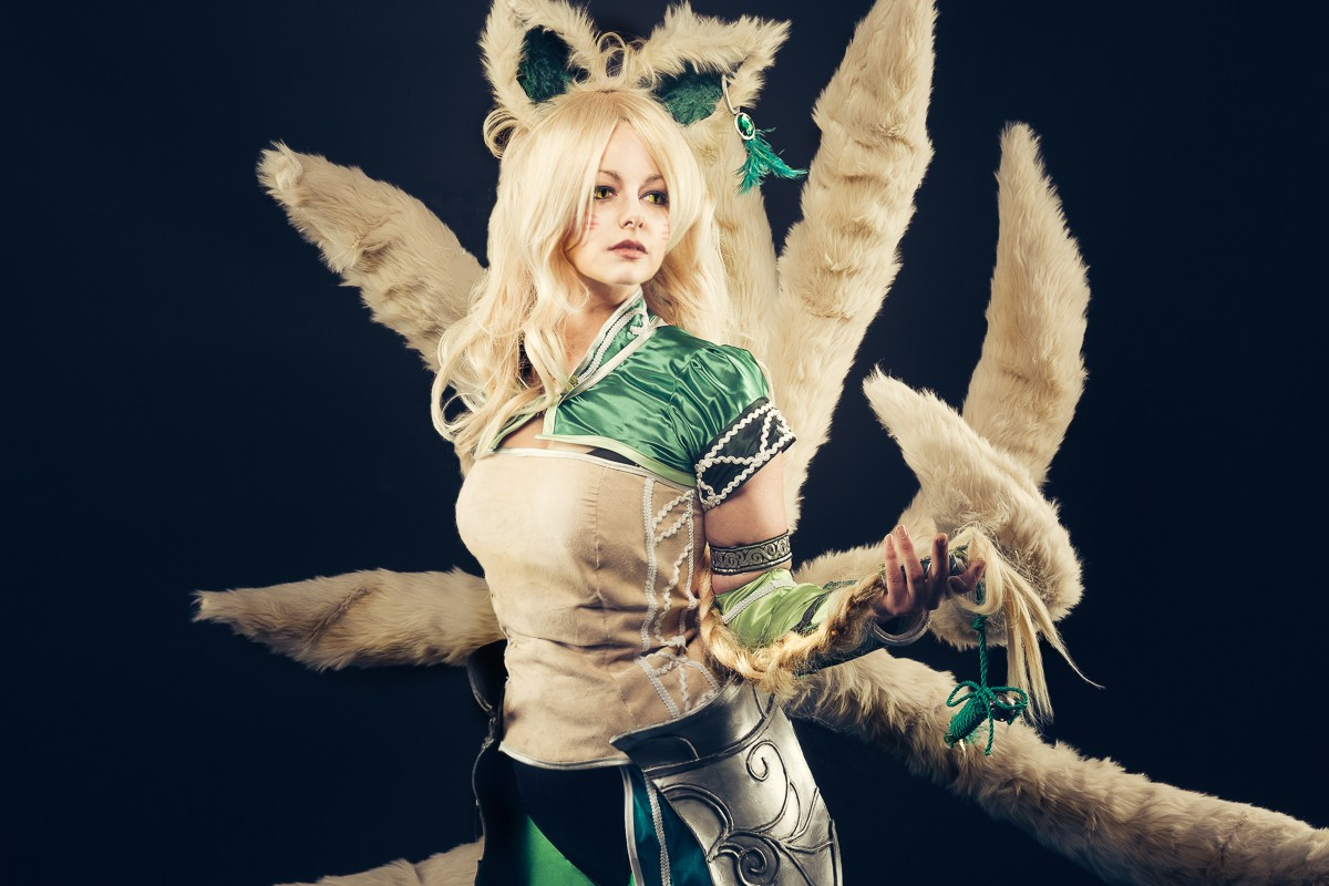 Ahri cosplay from league of legends