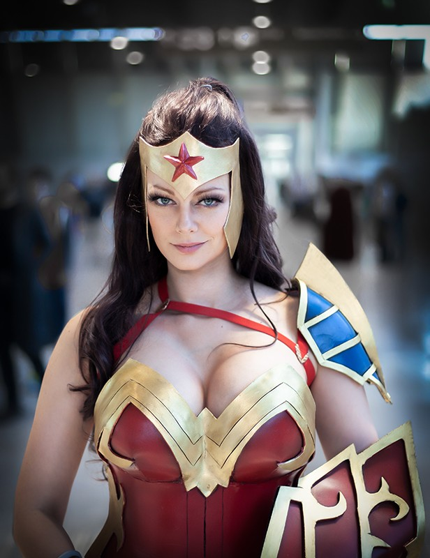 Wonder Woman Cosplay Eden craft